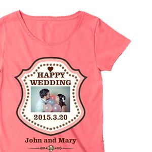 ウエディング写真とHAPPY WEDDINGでデザインした、オリジナルレディースTシャツ
