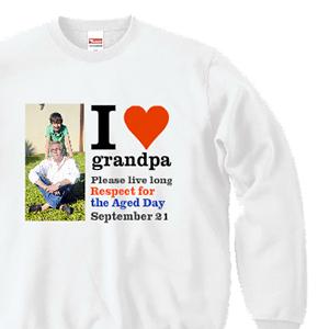 親子の写真とI Love grandpaとデザインした、オリジナルスウェット