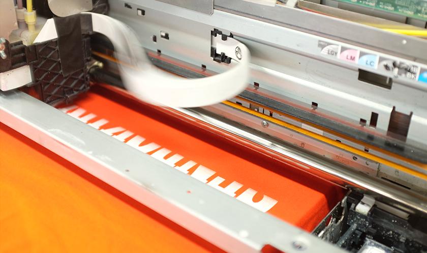 インクジェットプリンターでの印刷の様子