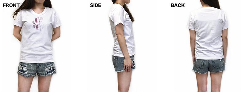 VネックTシャツの着用写真 女性